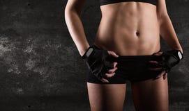 性感的妇女锻炼 图库摄影
