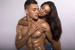 性感的感动的夫妇 免版税库存照片