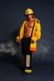 性感的消防队员 库存照片