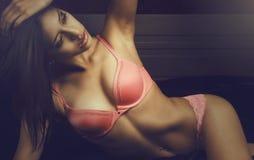 性感的色情美丽的妇女 免版税库存照片