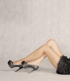 性感的葡萄酒腿和很多copyspace 免版税图库摄影