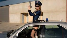 性感的警察跳舞妇女 股票视频
