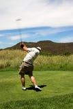 性感的高尔夫球运动员 库存图片