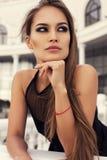 性感的魅力妇女画象有长的黑发的 库存照片