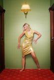 性感美丽的白肤金发的女孩 免版税图库摄影