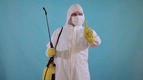 总体的害虫控制工作者有浪花陈列否认的 股票视频