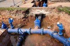 总水管替换 免版税库存图片