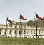 总统府的看法,叫作La Moneda,在圣地亚哥 库存照片