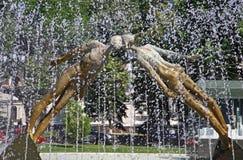 恋人的亲吻的纪念碑(或纪念碑)在哈尔科夫,乌克兰 库存图片