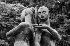 恋人雕象, Lumphini公园,曼谷 库存图片