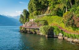 恋人`风景`步行在瓦伦纳,科莫湖 意大利伦巴第 免版税库存照片