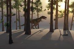 恐龙在森林 免版税库存图片