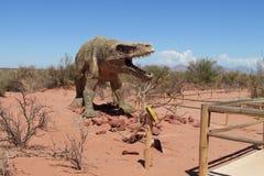 恐龙的模型在公园 免版税库存照片