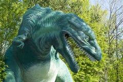 恐龙的雕象 免版税库存照片