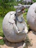 恐龙雕象在主题乐园 免版税图库摄影