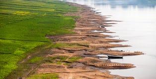 恒河的土壤侵蚀银行 库存照片