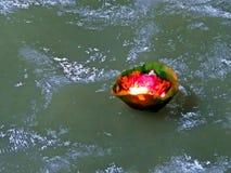 恒河的圣洁甘加Aarti在赫尔德瓦尔,印度 库存图片