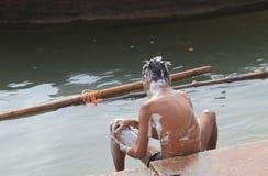 恒河ghat瓦腊纳西印度 免版税图库摄影