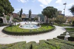 巴恩天鹅(喷泉) Giardino Bellini,卡塔尼亚,西西里岛 意大利 免版税库存图片