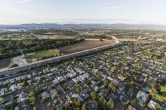 恩西诺和Sepulveda盆地天线在洛杉矶加利福尼亚 免版税库存图片
