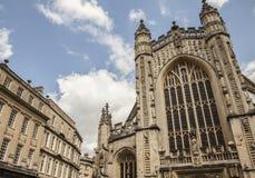 巴恩,英国-反对蓝天的大教堂 免版税库存照片