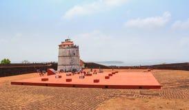 恰恩多利姆,果阿,印度- 2015年4月11日:古老堡垒Aguada和ligh 免版税库存照片
