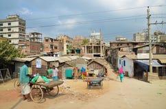 恶劣的住宅区在达卡 免版税库存图片