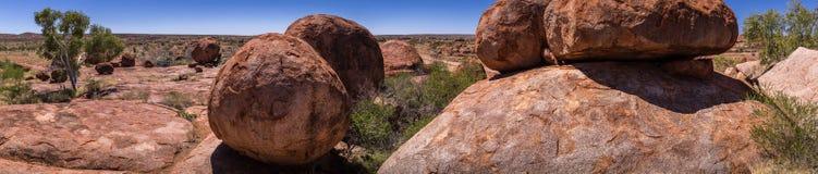 恶魔大理石,在内地澳大利亚人 免版税库存照片