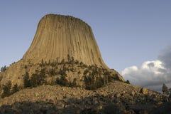 恶魔的塔在东北怀俄明 免版税库存照片