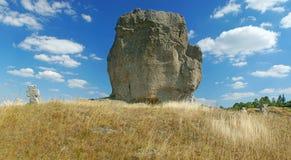 恶魔的岩石在Pidkamin 免版税库存照片
