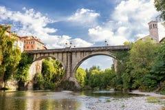 恶魔` s桥梁,奇维达莱德尔夫留利,弗留利Venezia朱莉娅,意大利看法  免版税图库摄影