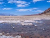 恶水盆地,死亡谷风景 库存图片