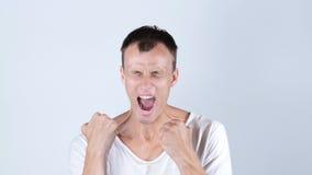 恼怒的人尖叫在失望 免版税库存图片