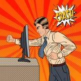 恼怒的商人在有他的拳头流行艺术的办公室碰撞计算机 库存照片
