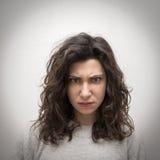 恼怒的女孩纵向 免版税库存照片