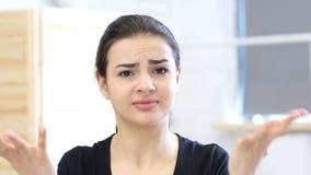 恼怒的妇女,不快乐 股票视频