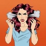 恼怒的妇女 愤怒的女孩 负的情感 坏天 坏心情 免版税图库摄影