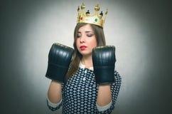 恼怒的确信的妇女 女性竞争 独裁的女孩 库存照片