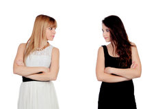 恼怒的青少年的姐妹 免版税库存图片