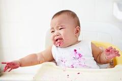 恼怒的婴孩和哭泣 库存照片