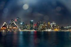 悉尼歌剧院在晚上, 免版税图库摄影