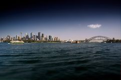 悉尼江边和港口桥梁 库存图片