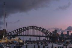 悉尼港桥日落的悉尼澳大利亚 免版税库存照片