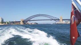 悉尼港桥,从旅行西部沿港口,澳大利亚的小船的看法 影视素材