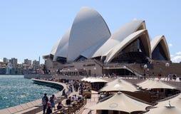 悉尼澳大利亚市地平线塔式大楼和歌剧院 免版税库存图片