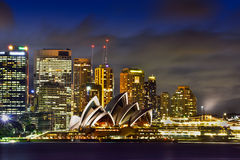 悉尼澳大利亚- 2015年9月28日:日落看法在悉尼Opear房子的 免版税库存图片