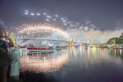 悉尼除夕烟花展示 免版税库存图片