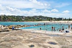 悉尼,澳大利亚- 2018年1月13日:在S的淡水海滩水池 免版税库存照片