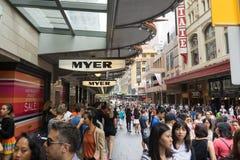 悉尼,澳大利亚- 2015年12月26日:人人群fa的 库存照片