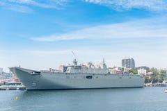 悉尼,澳大利亚- 2014年11月05日:军舰在悉尼港口 波茨点 免版税库存图片